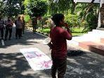 mahasiswa-nyaris-bentrok-dengan-polisi-di-depan-gedung-dprd-kabupaten-wajo.jpg