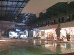 maluku-city-mall-gempa_20171031_221243.jpg