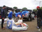 manajemen-bosowa-semen-menyalurkan-bantuan-untuk-korban-gempa-bumi-di-majene.jpg