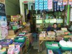 mansyur-pedagang-sembako-di-pasar-baru-kabupaten-bantaeng.jpg