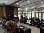 masyarakat-desa-barangmamase-kantor-dprd-kabupaten-wajo-senin-1272021.jpg