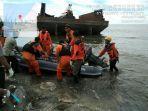 mayat-korban-kapal-motor-km-tidar-yang-terjatuh-di-perairan-takalar.jpg