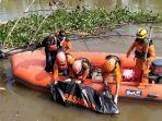 mayat-lupi-ardiansyah-10-dievakuasi-basarnas-di-sungai-salu-jambu.jpg