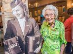 meninggal-dunia-di-usia-103-tahun-mengenang-sosok-pramugari-pertama-di-dunia.jpg