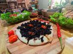 menu-pizza-pamarrasan-ala-sulawesi-castel-toraja.jpg