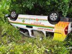 mobil-ambulans-rsud-siwa-kabupaten-wajo-mengalami-kecelakaan-di-bulu-dulu.jpg