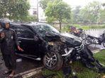 mobil-fortuner-mengalami-kecelakaan-di-jl-poros-bandara-sultan-hasanuddin.jpg