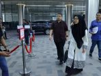 munafri-arifuddin-didampingi-istri-melinda-aksa-tiba-di-gedung-kompas-tv_20180605_192701.jpg