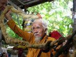 nguyen-van-chien-pria-92-tahun-yang-memiliki-rambut-sepanjang-lima-meter.jpg