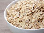 oatmeal-jadi-salah-satu-pilihan-makanan-yang-cocok-bagi-penderita-asam-lambung-untuk-buka-puasa.jpg