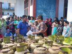 operasi-pasar-tabung-gas-3-kilogram-di-kecamatan-kecamatan-watang-pulu-kamis-882019.jpg
