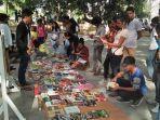 orang-muda-timor-leste-berkumpul-di-depan-komunitas-baca.jpg