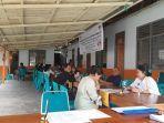 para-staf-kpu-toraja-utara-melayani-pendaftaran-peserta-calon-anggota-pps.jpg