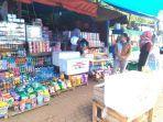 pedagang-barang-campuran-di-lokasi-festival-danau-matano.jpg