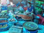 pedagang-cabai-di-pasar-sentral-malili_20160702_160250.jpg