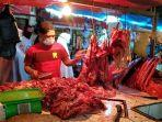 pedagang-daging-sapi-di-pasar-sentral-maros.jpg