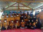 pelatihan-revitalisasi-sastra-sinrilik-di-desa-barugaya.jpg