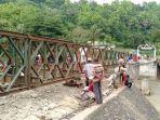 pembangunan-jembatan-bailey-di-munte11.jpg