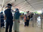 pemberlakuan-social-distancing-di-bandara-sultan-hasanuddin-1.jpg