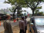 Pemudik Tabrak Polisi yang Mengadang di Pos Penyekatan, Aipda Gungun Alami Luka di Kaki