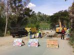 pengerjaan-jalan-di-kiatang-kecamatan-makale-utara-kabupaten-tana-toraja-jumat-6122019.jpg