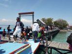 pengunjung-memadati-pulau-larea-rea-kecamatan-pulau-sembilan-minggu-1112020.jpg
