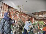 pengunjung-mengamati-aneka-koleksi-tanaman-hias-salah-satu-both-di-the-plataran-exhibition-1192020.jpg