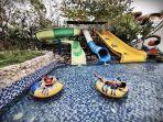 pengunjung-menikmati-aneka-wahana-permainan-air-di-bugis-water-park-2892020.jpg