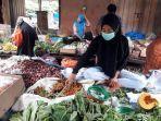 penjual-cabai-di-pasar-samaenre-kecamatan-sinjai-selatan-jumat-25122020.jpg