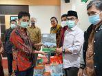 penyerahan-kartu-perdana-internet-oleh-rektor-uin-alauddin-makassar-prof-hamdan-juhannis.jpg