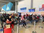 pergerakan-penumpang-dan-kargo-selama-priode-nataru-20202021-di-bandara-sultan-hasanuddin.jpg