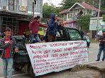perkara-berunjuk-rasa-di-kantor-inspektorat-kabupaten-enrekang-kamis-2272021.jpg