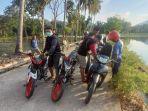 personel-kepolisian-sektor-polsek-tapango-polman-mengamankan-lima-unit-sepeda-motor.jpg