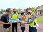 personel-satlantas-polres-pinrang-menjalani-tes-narkoba-menggunakan-metode-drugwipe-2.jpg