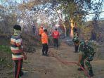 petugas-gabungan-melakukan-pemadaman-api-di-desa-borisallo1.jpg
