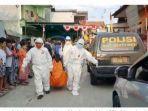petugas-melakukan-evakuasi-jasad-korban-lukito-68.jpg