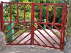 pintu-masuk-wisata-pantai-dato-kabupaten-majene-ditutup-sabtu-1552021.jpg