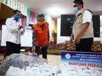 pj-wali-kota-makassar-yusran-jusuf-menerima-bantuan-wastafel-portable-dari-blki-bantaeng.jpg