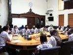 pj-walikota-makassar-prof-rudy-djamaluddin-menerima-kunjungan-pengurus-pgri-1.jpg