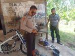 polisi-amankan-barang-bukti-jenis-parang-2052021.jpg
