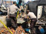 polisi-menyelidiki-penyebab-kebakaran-di-jl-barukang-utara-rt-04-rw-04-kelurahan-cambayya.jpg