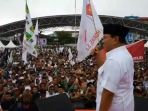 prabowo-subianto-kampanyekan-agus-tanribali-di-lapangan-karebosi-makassar_20180620_170035.jpg