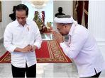 presiden-joko-widodo-dan-staf-barunya-ali-mochtar-ngabalin_20180525_141600.jpg