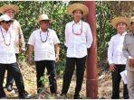 presiden-jokowi-didampingi-sejumlah-pejabat-tinjau-lokasi-pengganti-ibu-kota.jpg