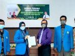 prof-dr-jasruddin-msi-bersama-rektor-uim-dr-ir-hj-andi-majdah-m-zain-msi.jpg
