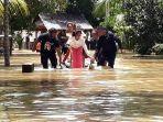 proses-evakuasi-warga-korban-banjir-di-kampung-marobo-kelurahan-salu-battang.jpg