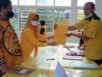proses-pendaftaran-calon-ketua-partai-golkar-sinjai-andi-kartini-ottong.jpg