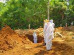 prosesi-pemakaman-muh-ihsan-di-desa-tiroang-kecamatan-palakka-kabupaten-bone.jpg