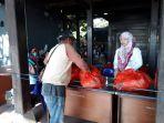 pt-pelabuhan-indonesia-iv-persero-kembali-menggelar-pasar-murah-ramadan-bersama-pemprov-sulsel_20180605_210629.jpg