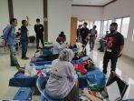 puluhan-komunitas-yang-ada-di-kota-makassar-menggelar-bakti-pemuda-berupa-donor-darah.jpg